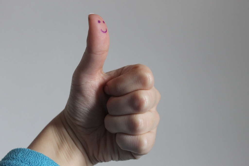 thumbs-up-smile